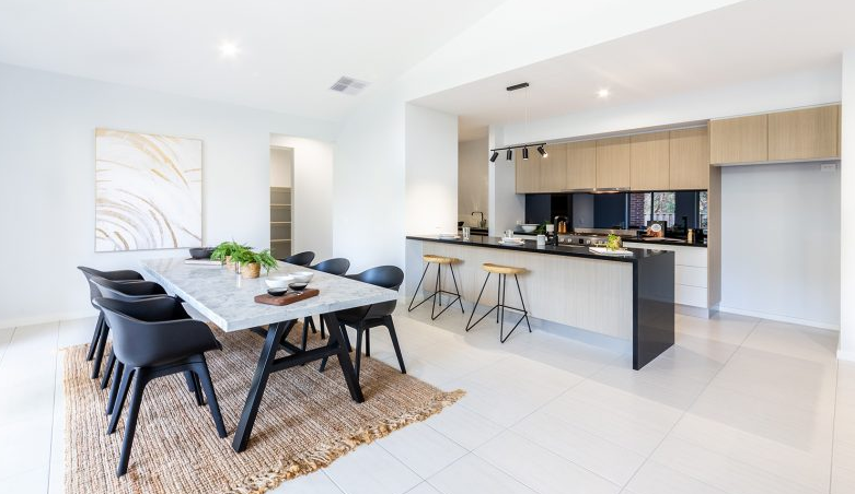 CAVALIER HOMES ALBURY WODONGA DISPLAY HOME KITCHEN/DINING  | PHOTO CREDIT: CAVALIER HOMES AW